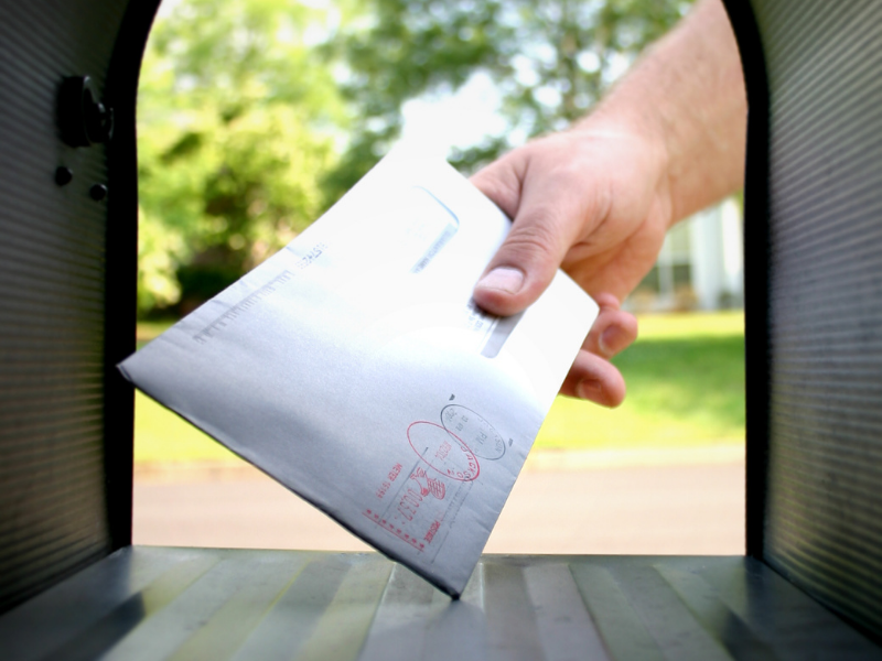 Grabbing letter out of the mailbox